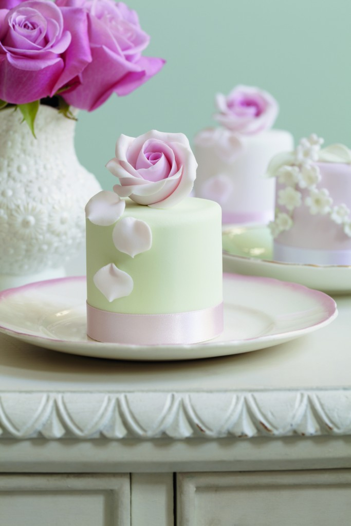 Peggy Porschen Mini Rose Cakes